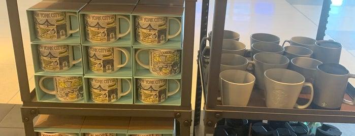 Starbucks is one of Lugares favoritos de Alberto J S.
