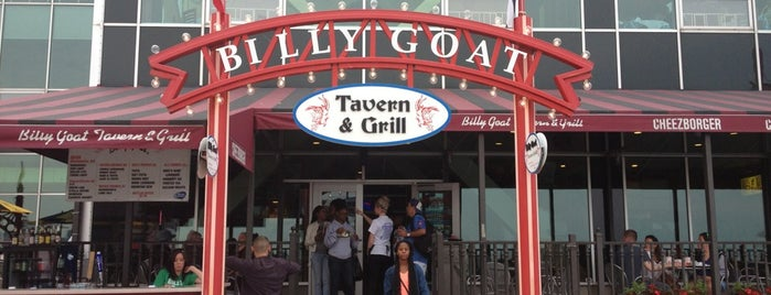 Billy Goat Tavern is one of Tempat yang Disimpan Gabby.