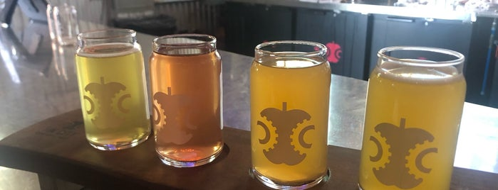 Tin City Cider Co. is one of Locais salvos de Paresh.