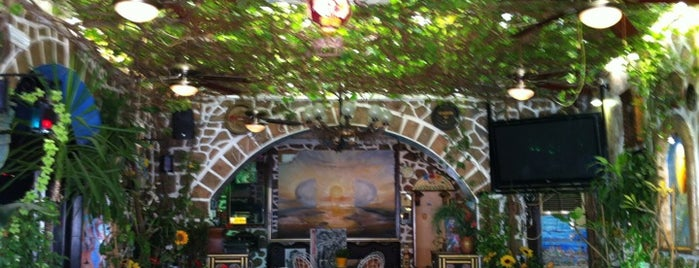 Yamas Bar is one of Posti salvati di Yusuf.