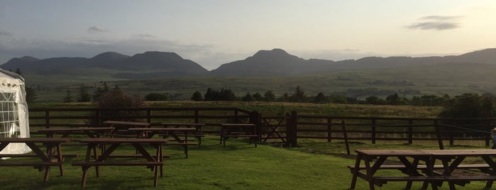 The Rhiw Goch Inn is one of Places To Eat close to Trawsfynydd Holiday Village.