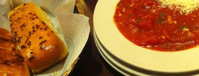 D'Lish California Cuisine is one of Carlos'un Beğendiği Mekanlar.