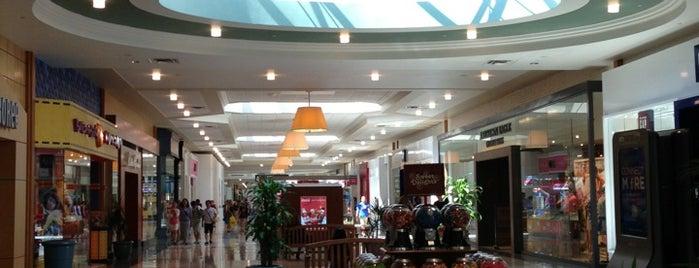 West Towne Mall is one of Lieux qui ont plu à Jennifer.
