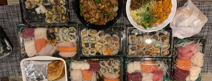 Roy's Fish and Sushi Market is one of linner.