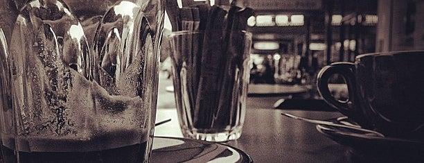 L'Espresso is one of Tempat yang Disimpan Simon.