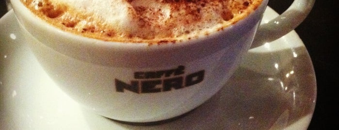 Caffè Nero is one of Orte, die Halil gefallen.
