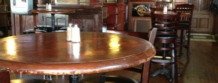 J. Patrick's Irish Bar & Grill is one of Ashlandさんのお気に入りスポット.