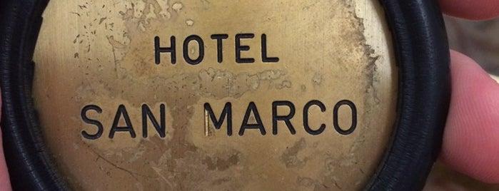 Hotel San Marco is one of Lieux qui ont plu à Nihat.