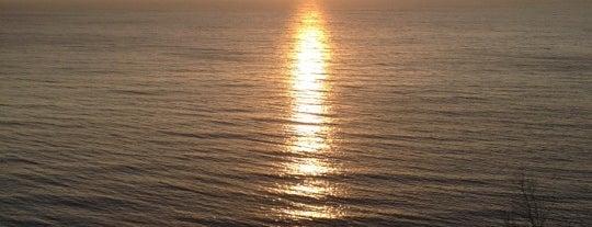 Sunrise Cliff is one of Lugares favoritos de Danny.
