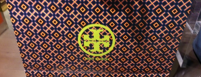 Tory Burch At DFS Galleria is one of Lina 님이 좋아한 장소.