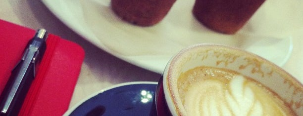 Biscottino is one of Café / Té / Repostería.