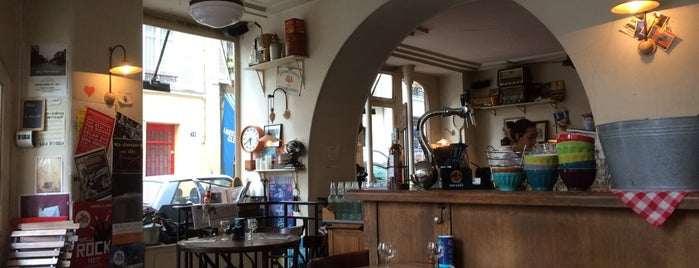 Les Puces des Batignolles is one of Paris17 : Villiers - Batignolles - Epinettes.