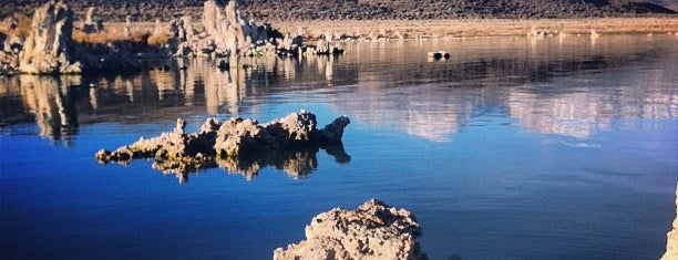 Mono Lake is one of Spots.