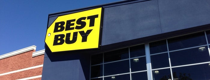 Best Buy is one of Katiaさんのお気に入りスポット.