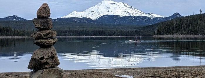 Elk Lake is one of Orte, die Enrique gefallen.