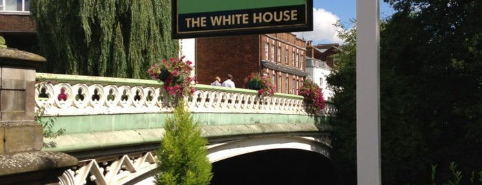The White House is one of Lugares favoritos de Constantine.
