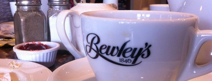 Bewley's Café is one of [To-do] Dublin.