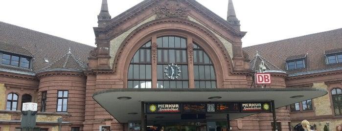 Osnabrück Hauptbahnhof is one of Bahnhöfe besucht !.