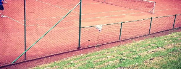 Tennis Club Forest Domaine is one of Kevinさんのお気に入りスポット.