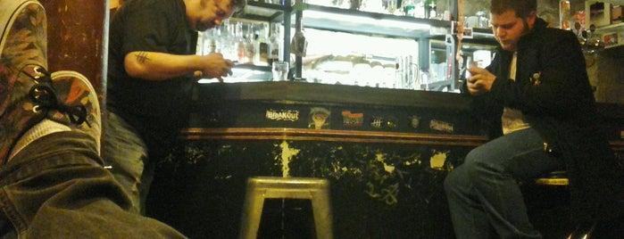 Holy Holster Le Bar is one of Kvn 님이 좋아한 장소.