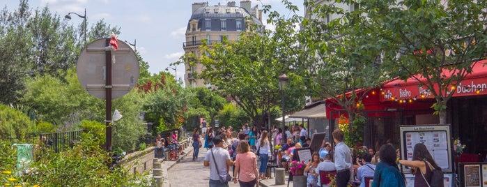Place du Petit Pont is one of Locais curtidos por Armando.