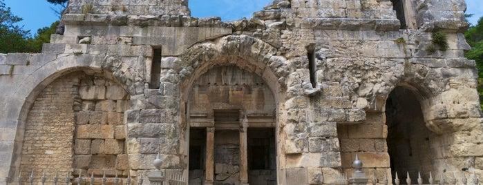 Temple de Diane is one of Nîmes.