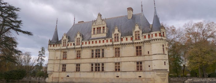 Château d'Azay-le-Rideau is one of Châteaux de la Loire.