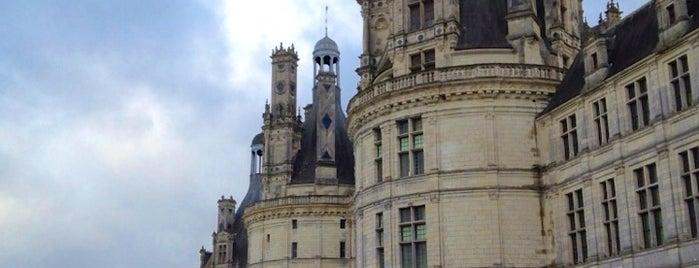 พระราชวังช็องบอร์ is one of Châteaux de la Loire.
