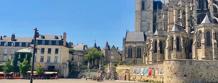 Place des Jacobins is one of Lieux sauvegardés par Olivier.