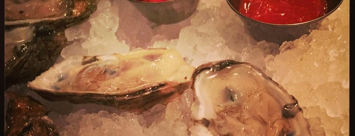 Sansom Street Oyster House is one of Kerryさんのお気に入りスポット.