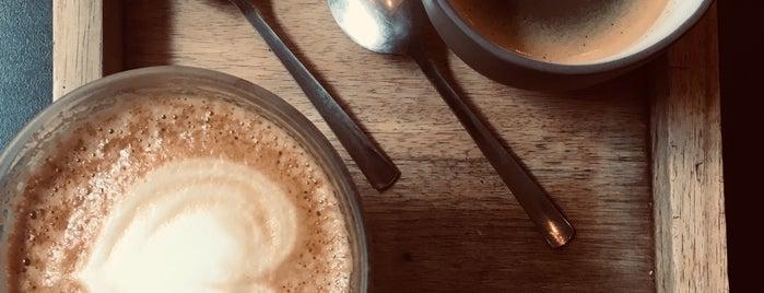 Café Capitale is one of Locais curtidos por Tarzan.
