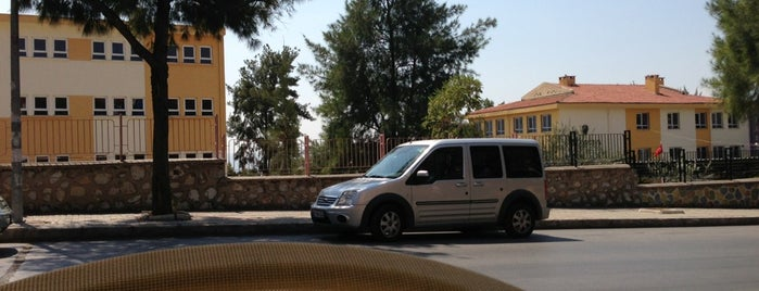 Hüner Unlu Mamulleri is one of Bizzat gezip,gördüm :).