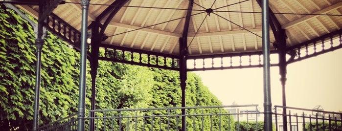 Place du Commerce is one of Orte, die Monsieur gefallen.