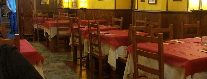 vecchia pescara pizzeria is one of สถานที่ที่ Tulga ถูกใจ.