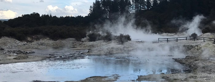 Hells Gate is one of Nuova Zelanda.