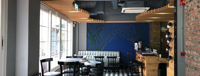 Lord Stow's Garden Cafe 安德魯花園咖啡 is one of Macau Coffee/Dessert.