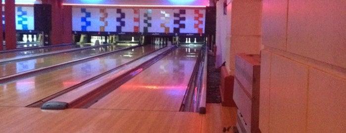 Soyak Bowling Salonu is one of Orte, die Ahmet gefallen.
