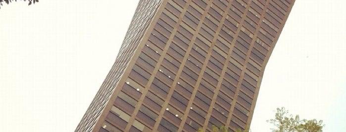 Torre AXA is one of Rascacielos en la Ciudad de México..