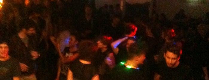 Klubovna 2. patro is one of Nejlepší studentské party venues.