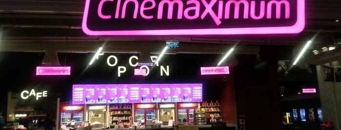 Cinemaximum is one of Tempat yang Disukai Erkan.