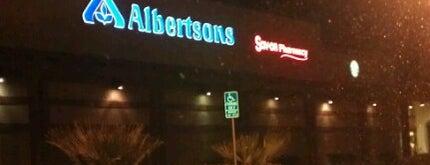 Albertsons is one of สถานที่ที่ Mariam ถูกใจ.