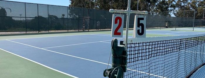 Balboa Tennis Club is one of สถานที่ที่ Paul ถูกใจ.