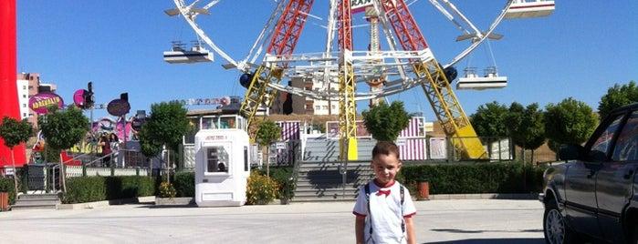 Lunapark is one of Orte, die Fatih gefallen.