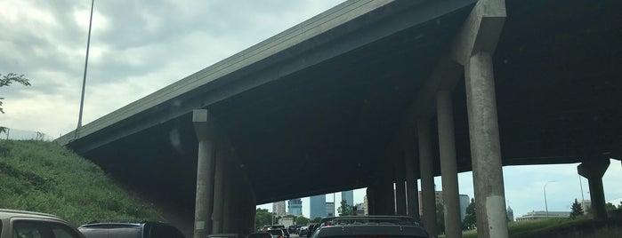 I-35W N & 94 Intersection is one of Tempat yang Disukai Alan.