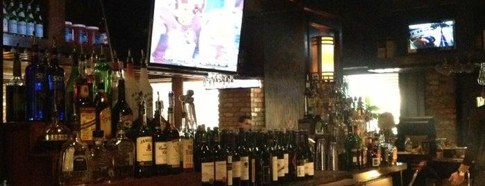 Charleston's Restaurant is one of Lugares guardados de Sheila.