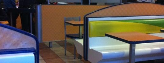 Burger King is one of สถานที่ที่ Jonathan ถูกใจ.