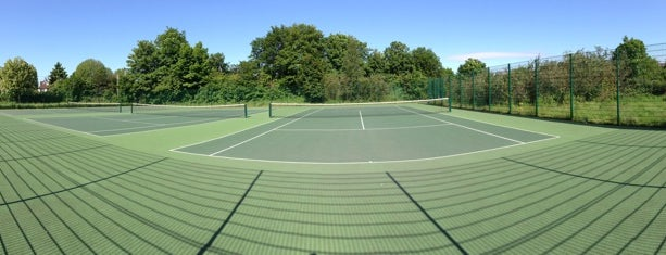 Merton Park Tennis Courts is one of Orte, die Barry gefallen.