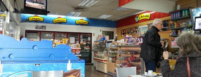 Esso is one of estaciones de servicio.