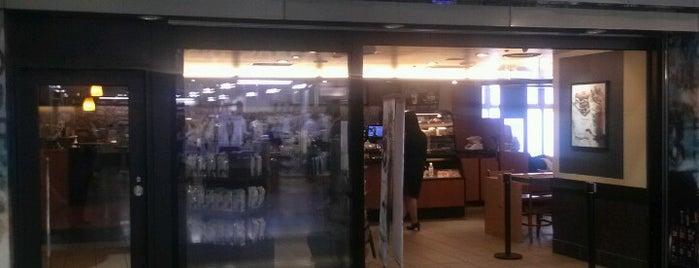 Starbucks is one of Lugares favoritos de arapix.
