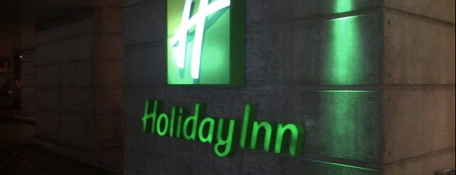 Holiday Inn is one of Locais curtidos por Fernando.